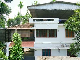 Furnished 1Br Homestay In Kochi photos Exterior