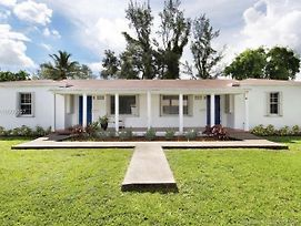Biscayne Park Cottage - Near Miami Beach 2/1 photos Exterior