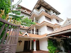 1Br Colorful Homestay In Kochi photos Exterior
