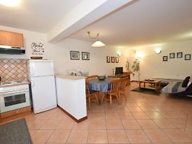 Affordable Apartment Bruno In Pula-Good Location photos Exterior