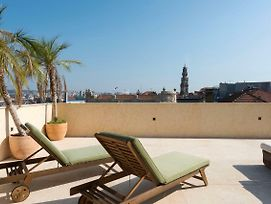 Lovelystay - Palmtree Rooftop W/ Spectacular View photos Exterior
