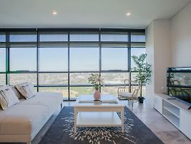 Stunning 4 Bedrooms Apartment In Olympic Park photos Exterior