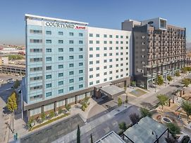 Courtyard By Marriott Chihuahua photos Exterior