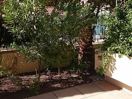 Apartment With One Bedroom In Hyeres With Wonderful City View Enclosed Garden And Wifi 3 Km From The Beach photos Exterior
