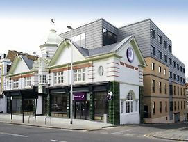 Premier Inn London Clapham photos Exterior