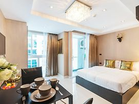 Serenity Wongamat By Favstay photos Exterior