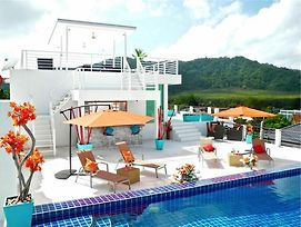 Sunrise 3 Bedrooms Modern Apartment In Nai Harn photos Exterior
