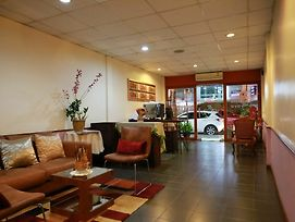 Travel Lodge Suriwongse - Adult Only photos Exterior