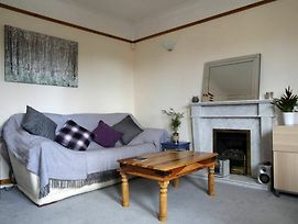 1 Bedroom Flat 15 Minutes From City Centre photos Exterior
