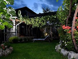 Trenchova Guest House photos Exterior