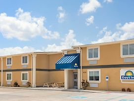 Days Inn By Wyndham New Orleans Pontchartrain photos Exterior