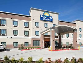 Days Inn & Suites By Wyndham Houston Nw Cypress photos Exterior