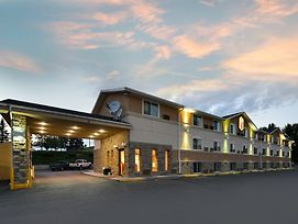 Super 8 By Wyndham Minot Airport photos Exterior