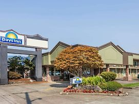 Days Inn By Wyndham Eugene Downtown/University photos Exterior