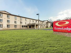 Econo Lodge Inn & Suites Des Moines - Merle Hay Rd photos Exterior