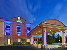 Holiday Inn Express Portland South - Lake Oswego photos Exterior
