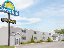 Days Inn By Wyndham Cedar Falls- University Plaza photos Exterior