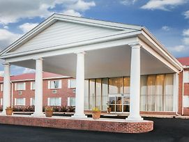 Super 8 By Wyndham Phenix City photos Exterior