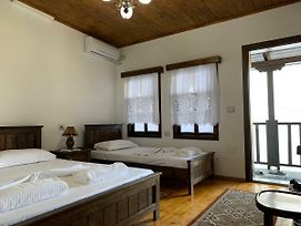 Guest House Genti photos Room