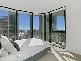 Stay In Style - Luxury Cbd Apartment photos Exterior