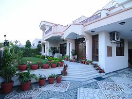 Jaipur Friendly Villa photos Exterior