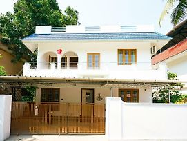 Conventional 1Br Homestay In Kochi photos Exterior