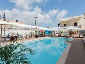 If Your 1 Person On Vacation In Malia This A Great Choice For A Great Vacation photos Exterior