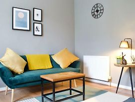 Homely Wee Leith Walk Retreat With Outdoor Space photos Exterior