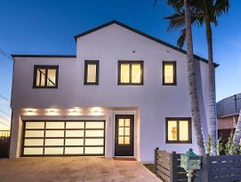Luxurious East Hollywood Hill Home-Hollywood Views photos Exterior