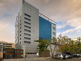Hotel Mint Select Noida photos Exterior