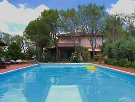Cozy Villa In Civitanova Marcheitaly With Private Pool photos Exterior