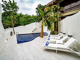 Den Pasar Boracay Luxury Apartments photos Exterior