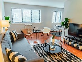 Clean And Comfy Apartment Only 15 Min To Wrigley K3 photos Exterior