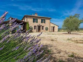 Tuscan Farmhouse Near Siena photos Exterior