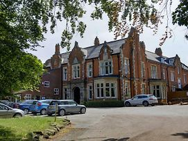 Best Western Grimsby Oaklands Hall Hotel photos Exterior