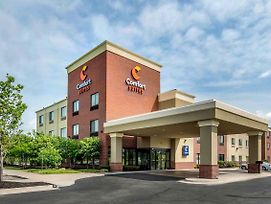 Comfort Suites Speedway - Kansas City photos Exterior