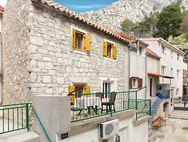 One-Bedroom Apartment In Omis photos Exterior