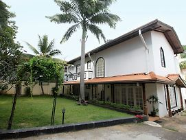 Olu Colombo Villa photos Exterior