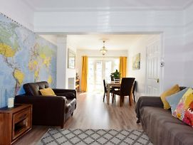 Grosvenor House - Beautifully Renovated Home Opposite Dreamland photos Exterior