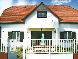 Holiday Home Balatonmariafurdo 51 photos Exterior