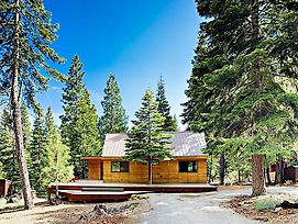 Modern Wooded Oasis W/ Hot Tub, Walk To Beach! Cabin photos Exterior