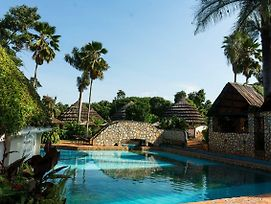 Kingfisher Safaris Resort Hotel photos Exterior