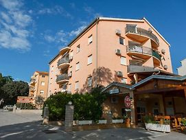 Apartments With A Parking Space Pula - 17827 photos Exterior