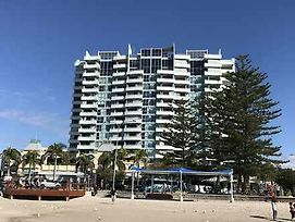 Grand Hotel Apartments Gold Coast By Owner photos Exterior