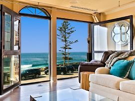 #101 - La Jolla Village Oceanfront Three-Bedroom Holiday Home photos Exterior
