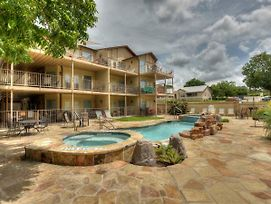 Brand New Guadalupe River Hideaway Only 6 Blocks From Schlitterbahn - Waterwheel L-301 photos Exterior