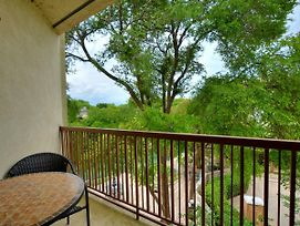 Nicely Updated Condo On The Comal - Inverness 211 photos Exterior