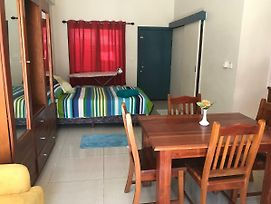 Sharmas Holiday Apartment 58 Kennedy Road Nadi Town. photos Exterior
