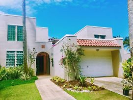 Villa Coral Reef- 4Br With Community Pool Overlooking Ocean photos Exterior