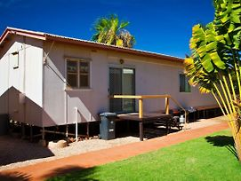 Exmouth Villas Unit 29 - Affordable 3 Bedroom Villa With A Great Location photos Exterior